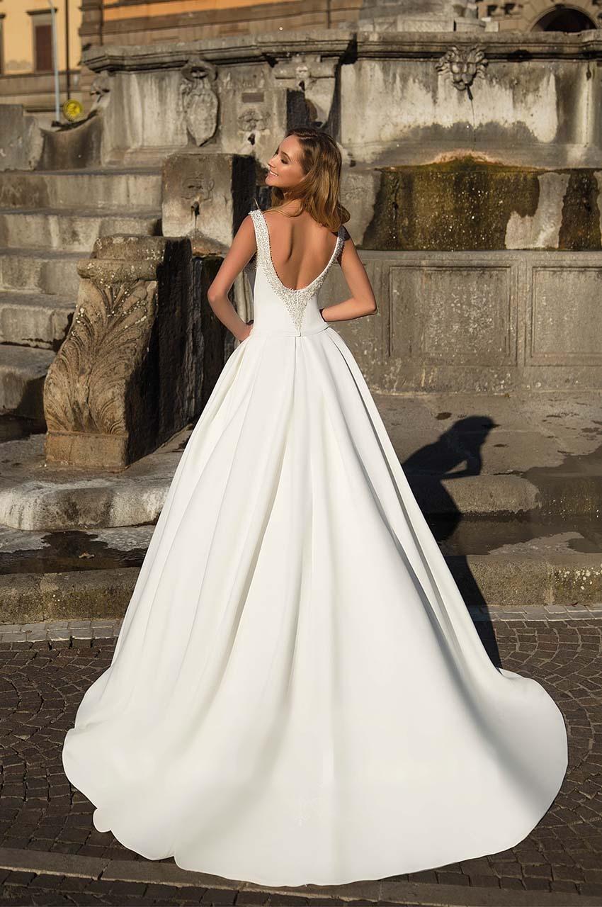 Sníte o sněhově bílých svatebních šatech? - Obrázek č. 7