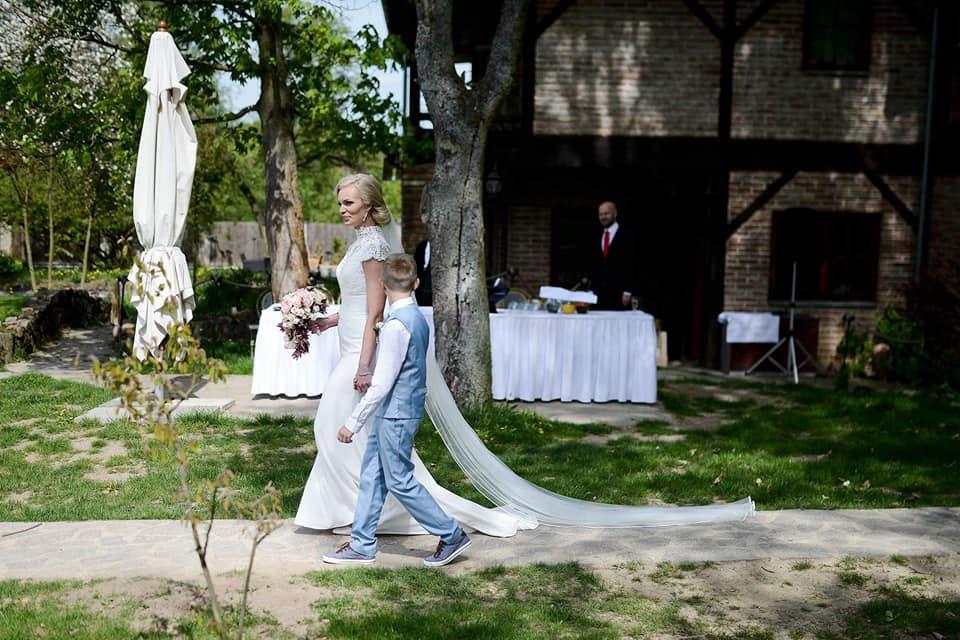 Když se vdává majitelka svatebního salónu :-) - Obrázek č. 2