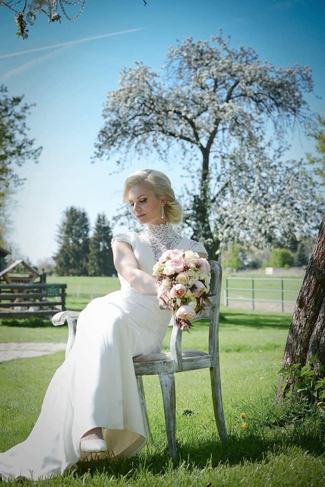 Když se vdává majitelka svatebního salónu :-) - Obrázek č. 17