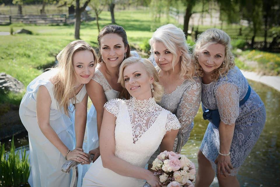 Když se vdává majitelka svatebního salónu :-) - Obrázek č. 23