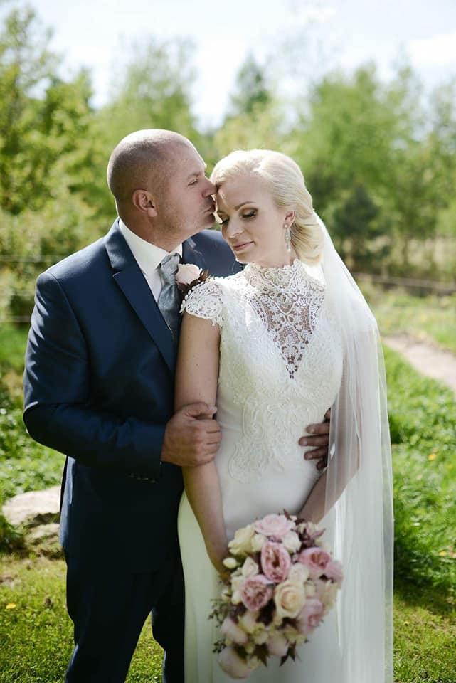Když se vdává majitelka svatebního salónu :-) - Obrázek č. 24