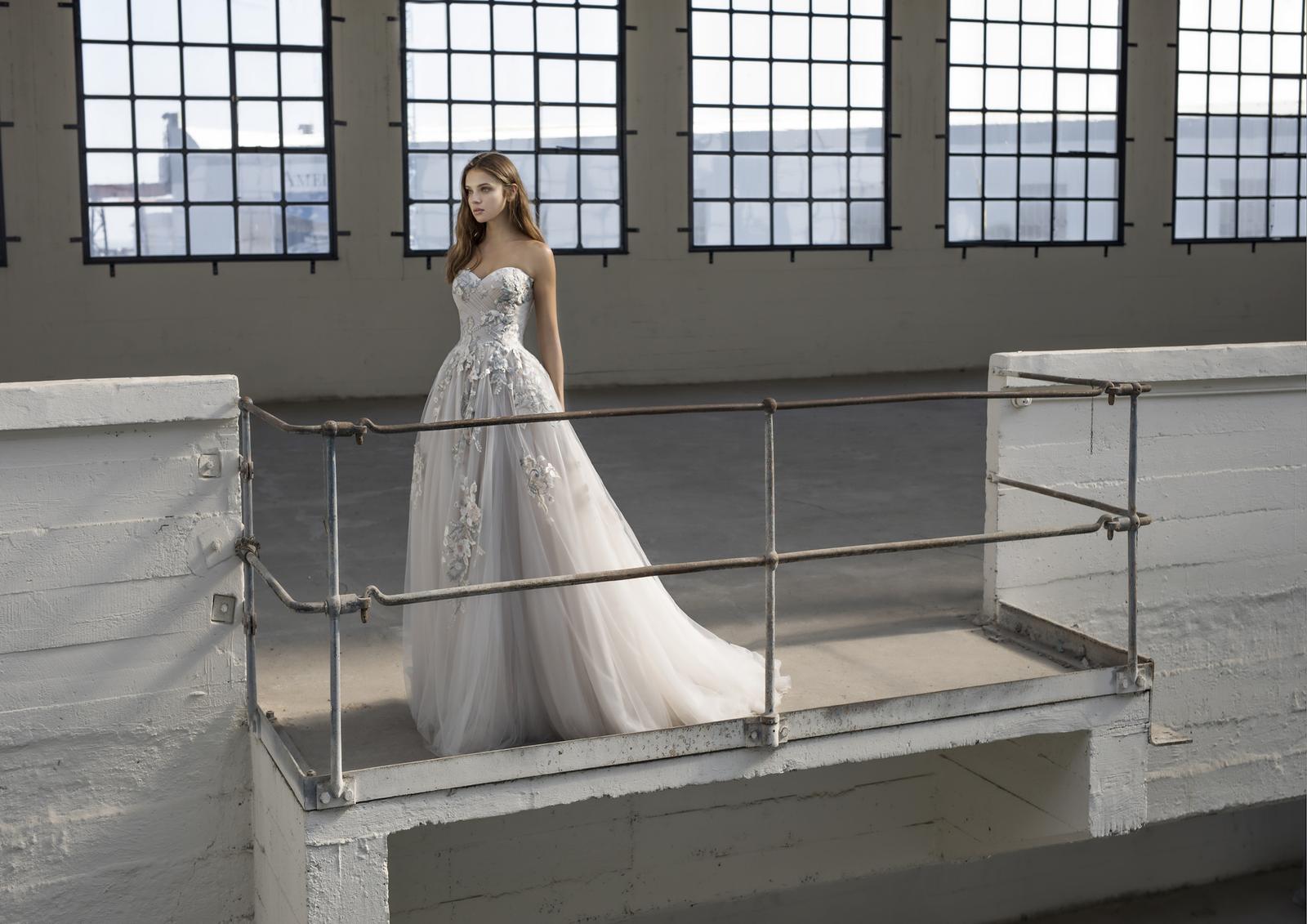 Modeca 2019 - nová kolekce již v salónu - Model Eleanora z kolekce Le Papillon by Modeca 2019