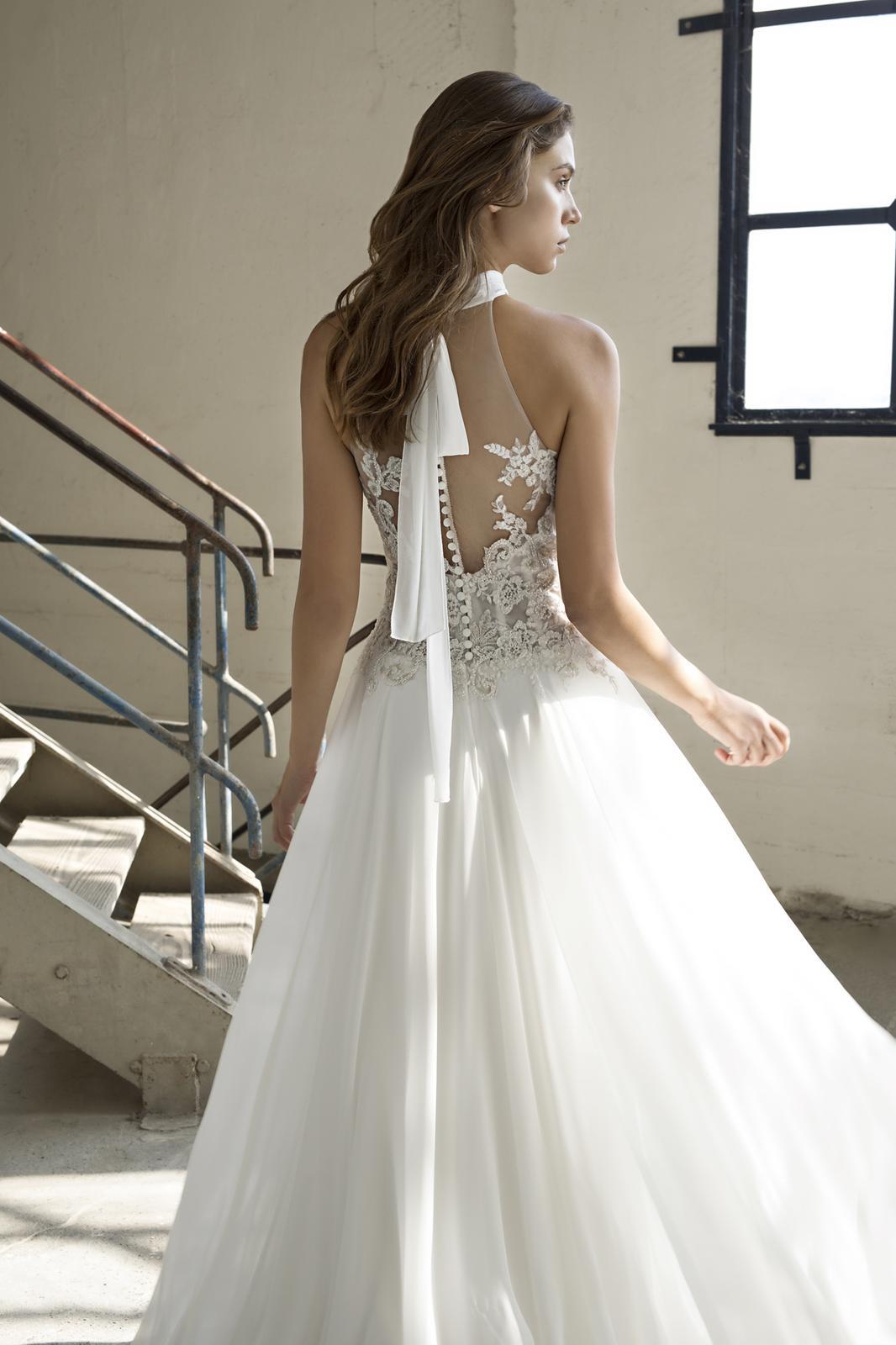 Velký výprodej svatebních šatů! - Model Elba - použité pouze na focení katalogu. Kolekce 2019!!! Cena 12 200,-
