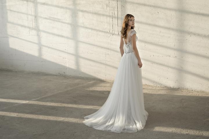 Velký výprodej svatebních šatů! - Model Ella použité pouze na focení ... 1b63f462b6