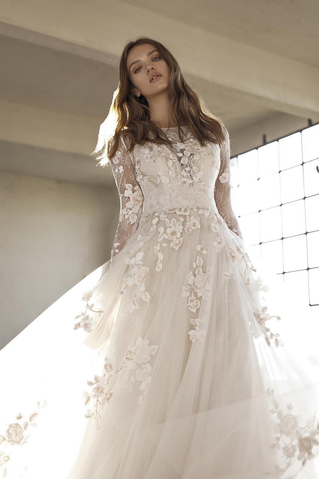 Svatební šaty s rukávy - Obrázek č. 3