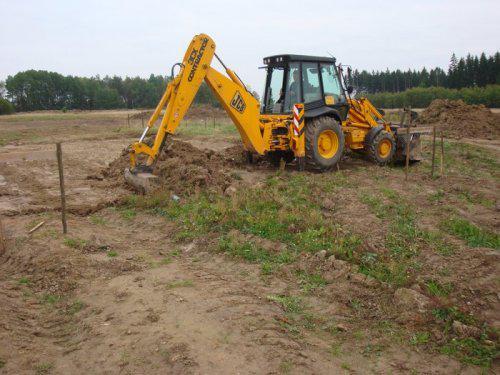 Stavíme si hnízdečko - takhle to v září 08 začalo..