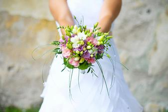 http://www.azgarden.cz/index.php?nid=4467&lid=CS&oid=597839 kontakt na zahradnictvi, kde mi vazali kvetinky