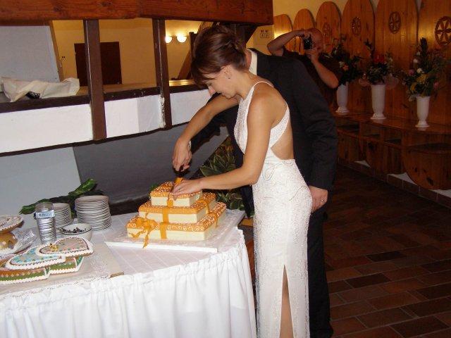 Katka{{_AND_}}Milan - krájanie torty a moje popolnočné šaty