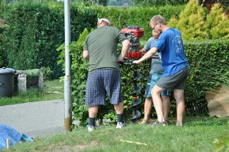 A hurá, začínáme dělat plot :-)