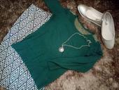 Smaragdovo zeleny svetrik Reserved, 36