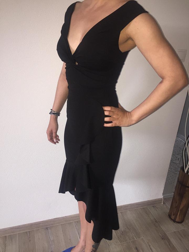 Koktejlové šaty - Obrázok č. 1