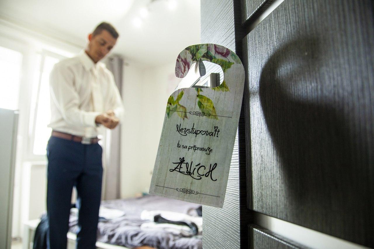 Napisy na dvere pri obliekani nevesty a zenicha - Obrázok č. 3