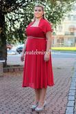 Červené plesové šaty z naší nabídky www.svatebninella.cz