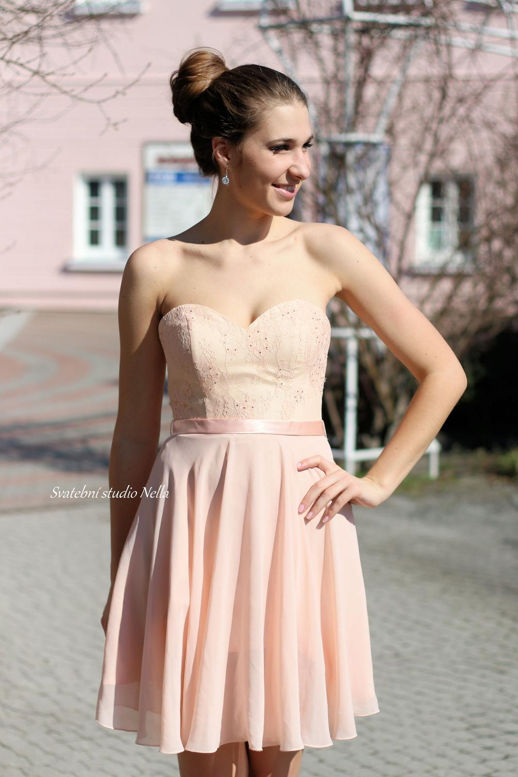 Krátké šaty na svatby, pro družičky a popůlnočky - Krátké šaty na svatbu - www.svatebninella.cz