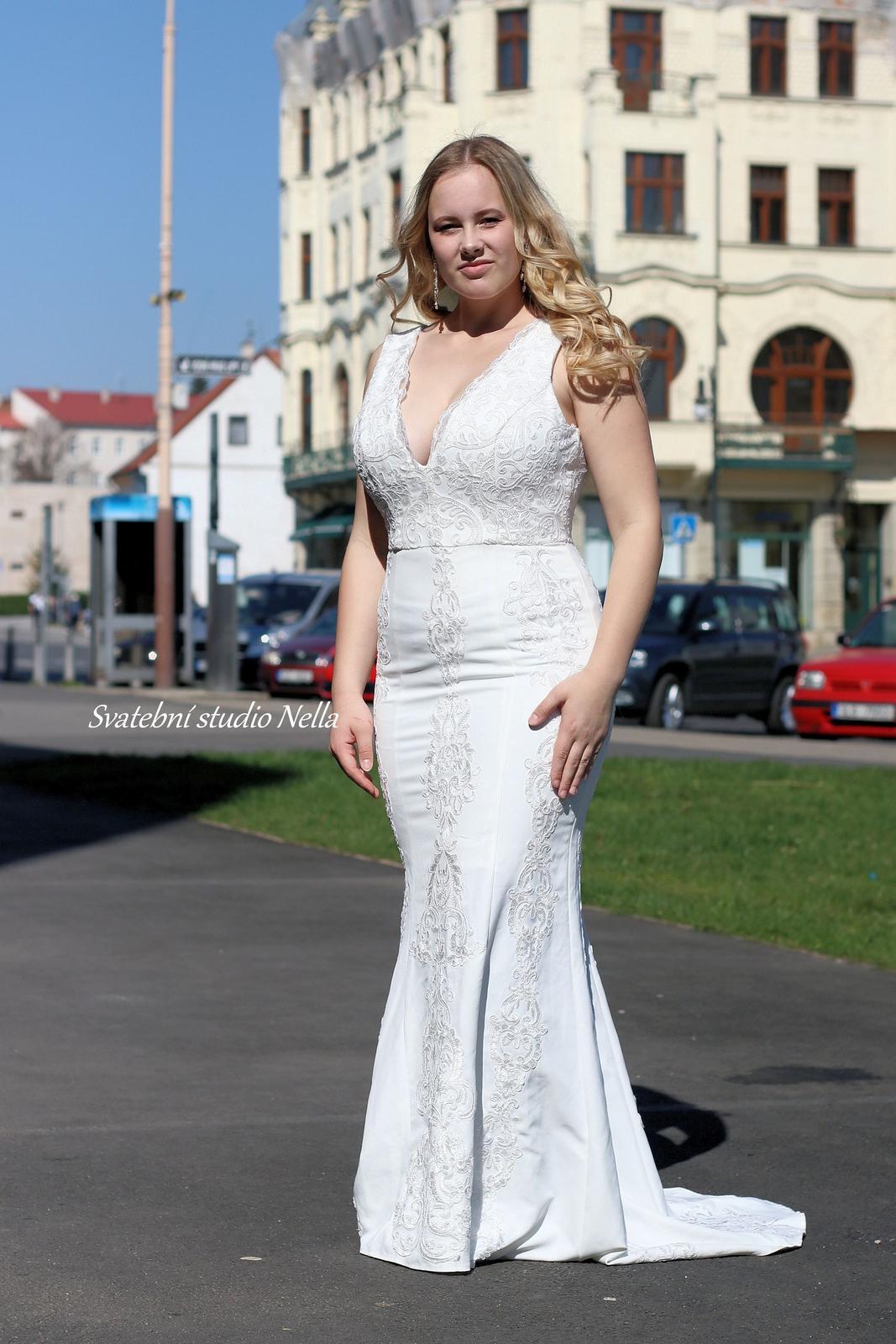 Svatební šaty styl BOHO - Svatební šaty  www.svatebninella.cz