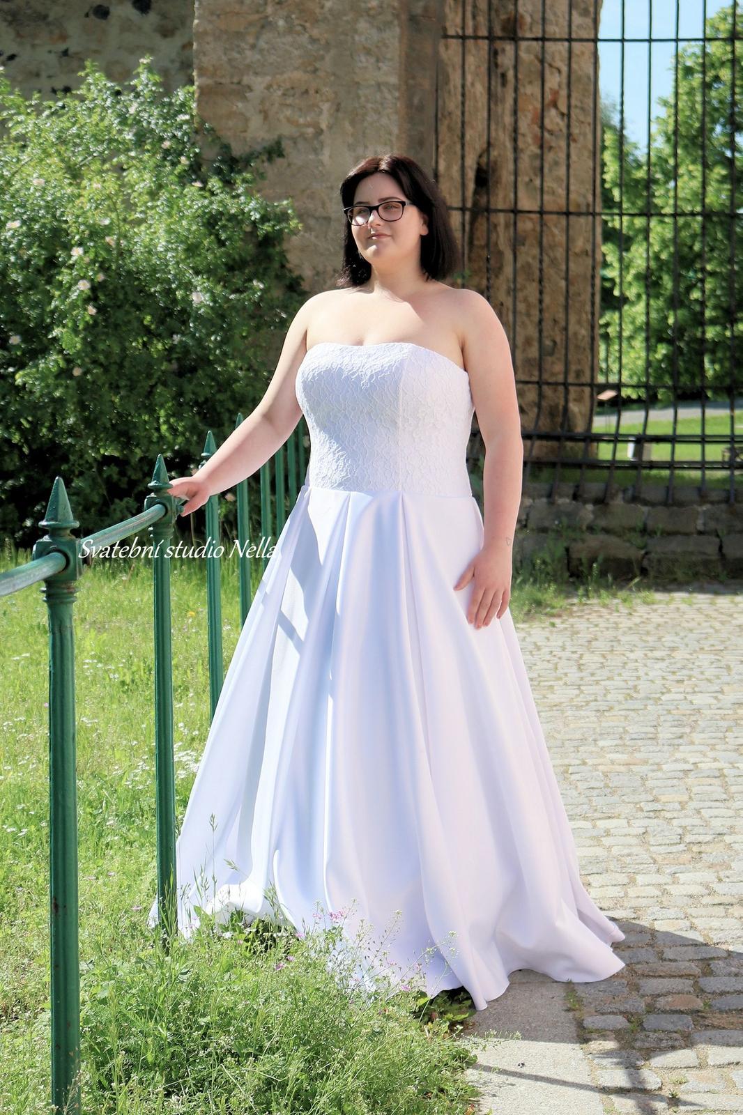 Svatební šaty XXL pro plnoštíhlé nevěsty - Svatební šaty Plus size - velikosti a ceny na našem webu www.svatebninella.cz