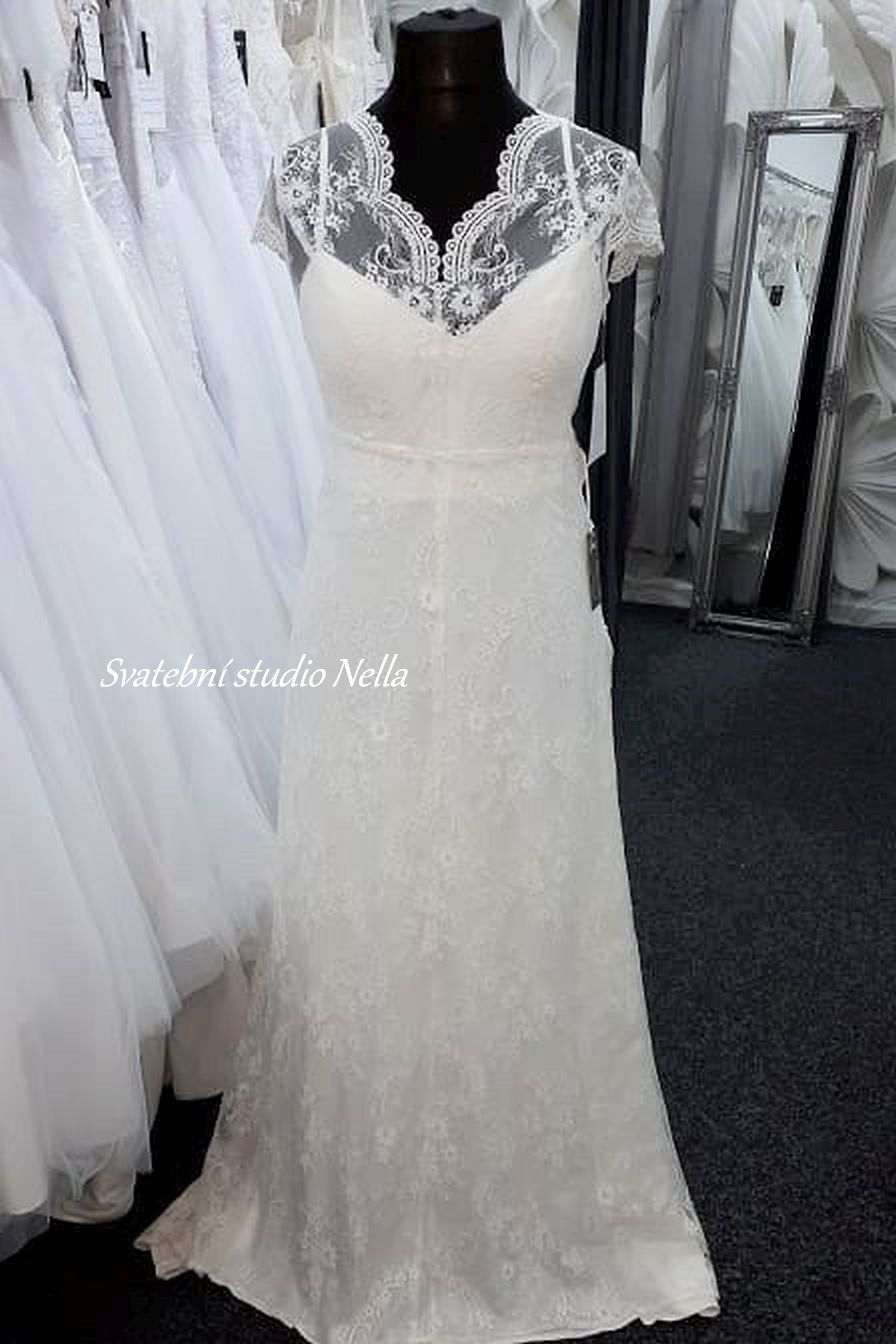 Svatební šaty v boho stylu pro venkovní svatby - Obrázek č. 2