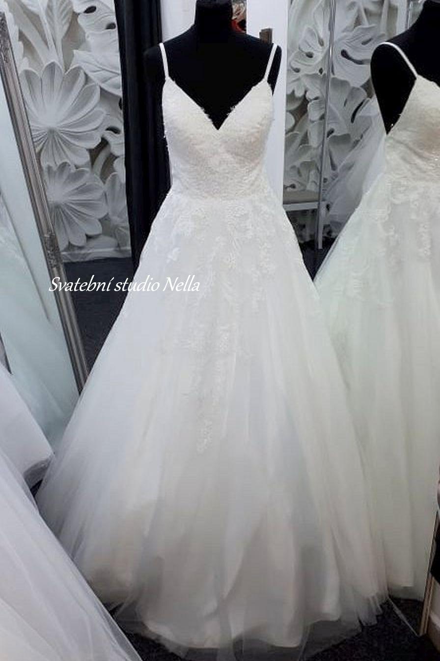 Svatební šaty v boho stylu pro venkovní svatby - Obrázek č. 9