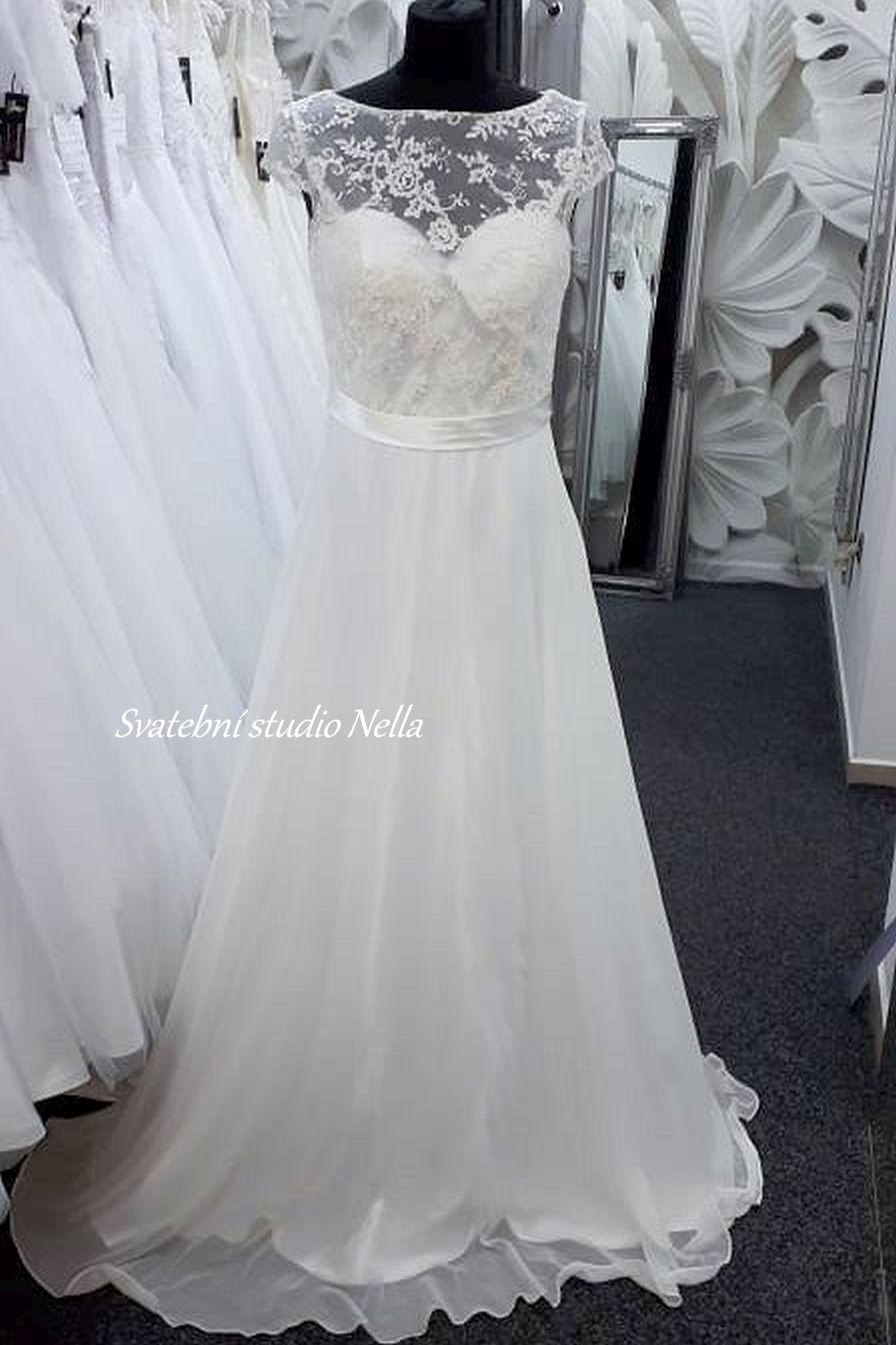 Svatební šaty v boho stylu pro venkovní svatby - Obrázek č. 14