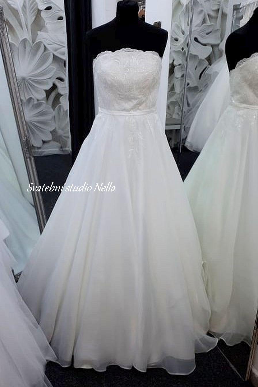Svatební šaty v boho stylu pro venkovní svatby - Obrázek č. 15