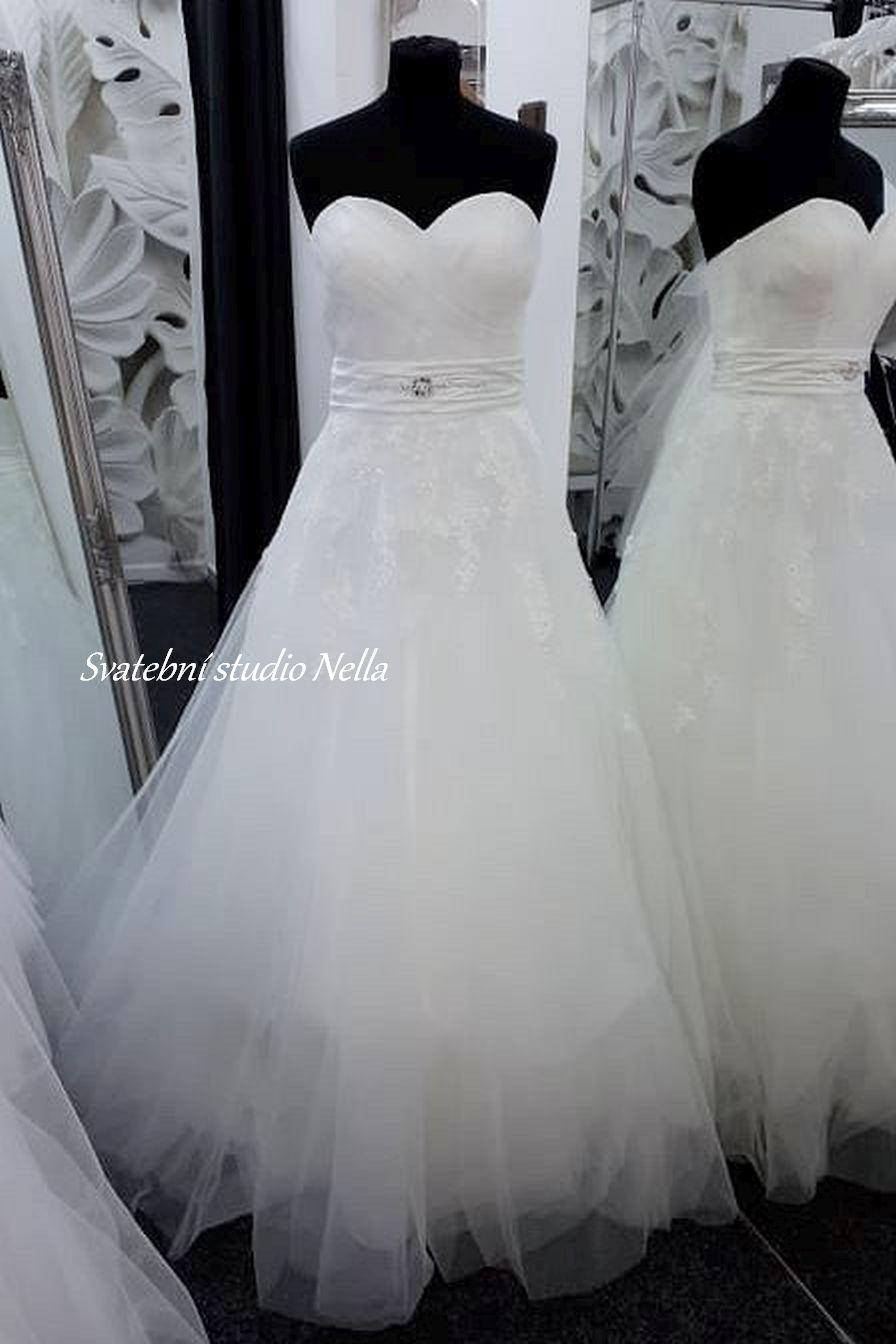 Svatební šaty v boho stylu pro venkovní svatby - Obrázek č. 18