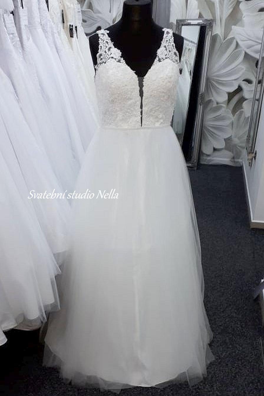 Svatební šaty v boho stylu pro venkovní svatby - Obrázek č. 20