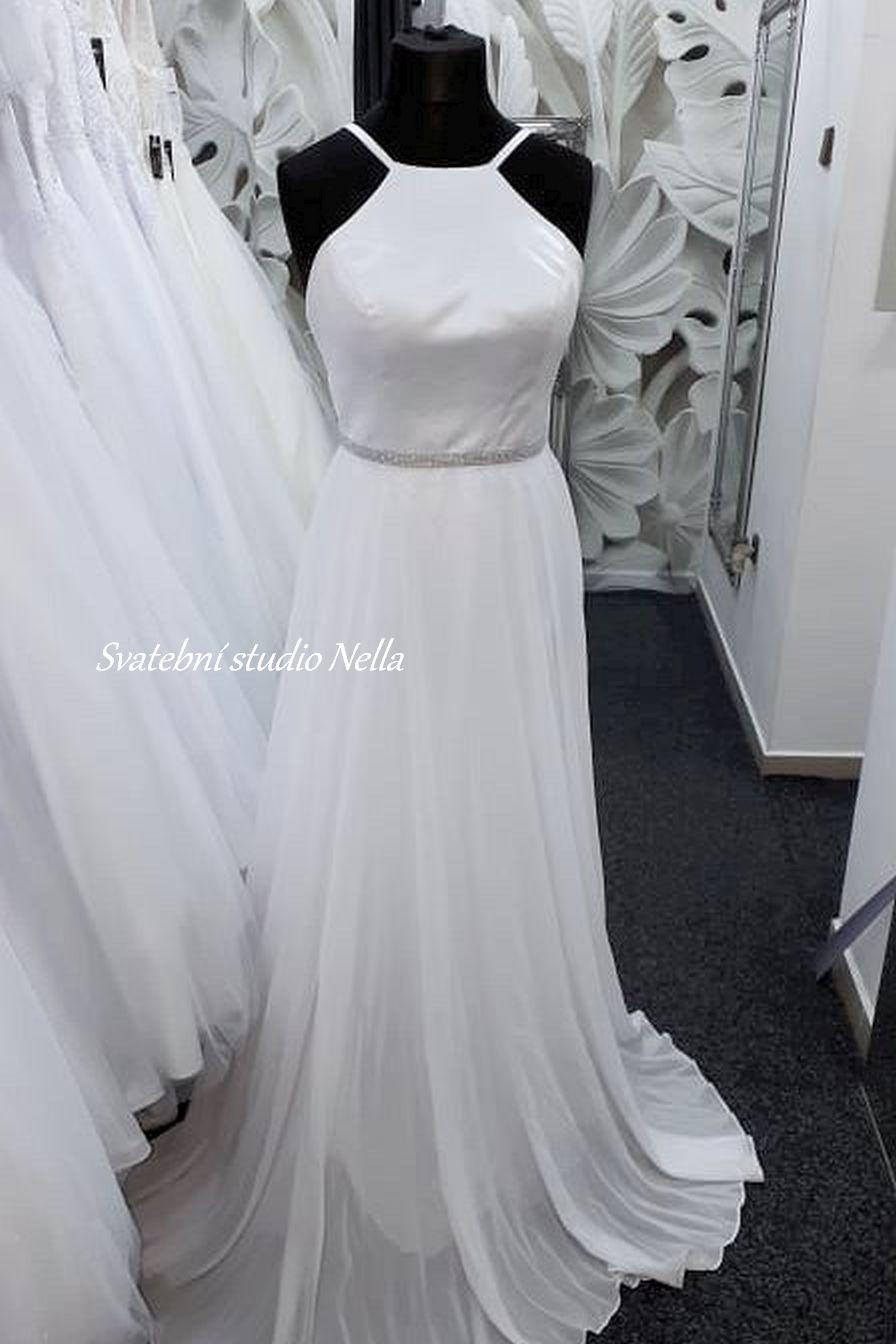 Svatební šaty v boho stylu pro venkovní svatby - Obrázek č. 22