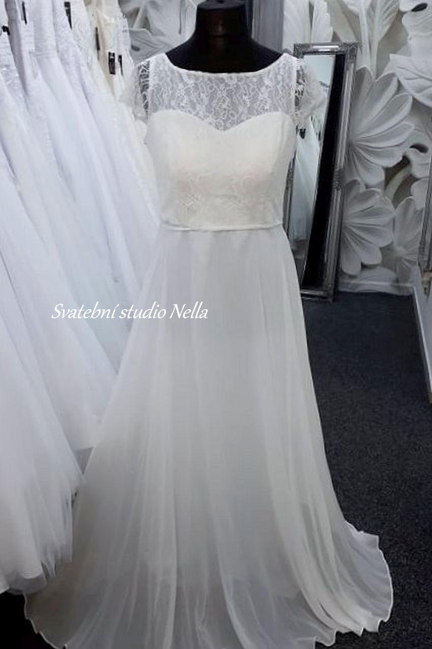 Svatební šaty v boho stylu pro venkovní svatby - Obrázek č. 23
