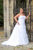 Svatební šaty XXL N17 s vlečkou, 48