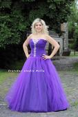Plesové šaty fialové - půjčovna, 46