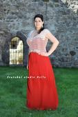 Plesové šaty červené pro plnoštíhlé - půjčovna, 46