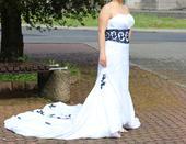 Výprodej - svatební šaty s vlečkou, 44