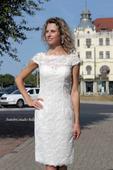 Krátké svatební šaty - popůlnoční krajkové,