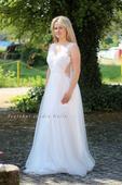 Tylové svatební šaty s krajkou a ramínky, 38
