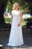 Empírové svatební šaty s krajkou, 38