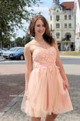 Krátké společenské plesové šaty meruňkové, 38