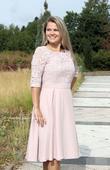 Krátké plesové šaty s krajkovým rukávem, 40
