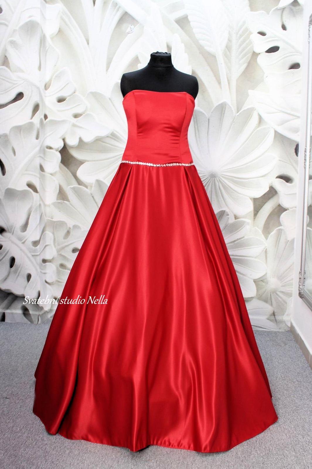 Plesové šaty červené - velikost 34 XS - Obrázek č. 1