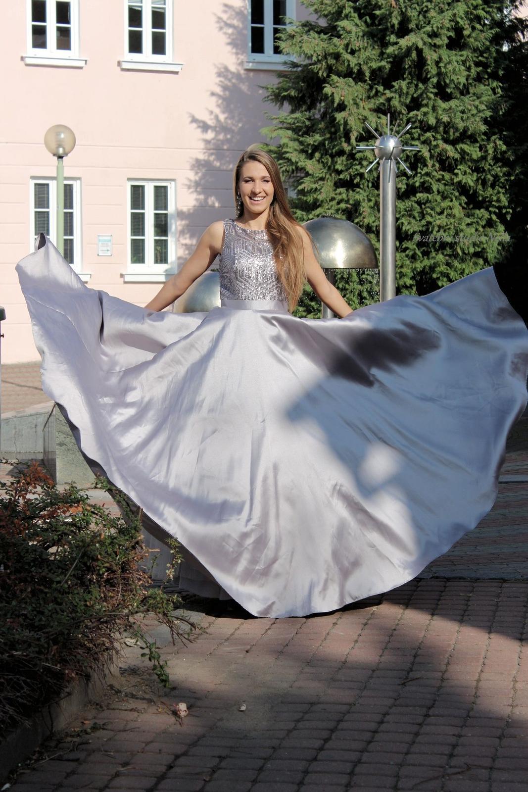 Plesové šaty šedé - velikost 38 - Obrázek č. 2