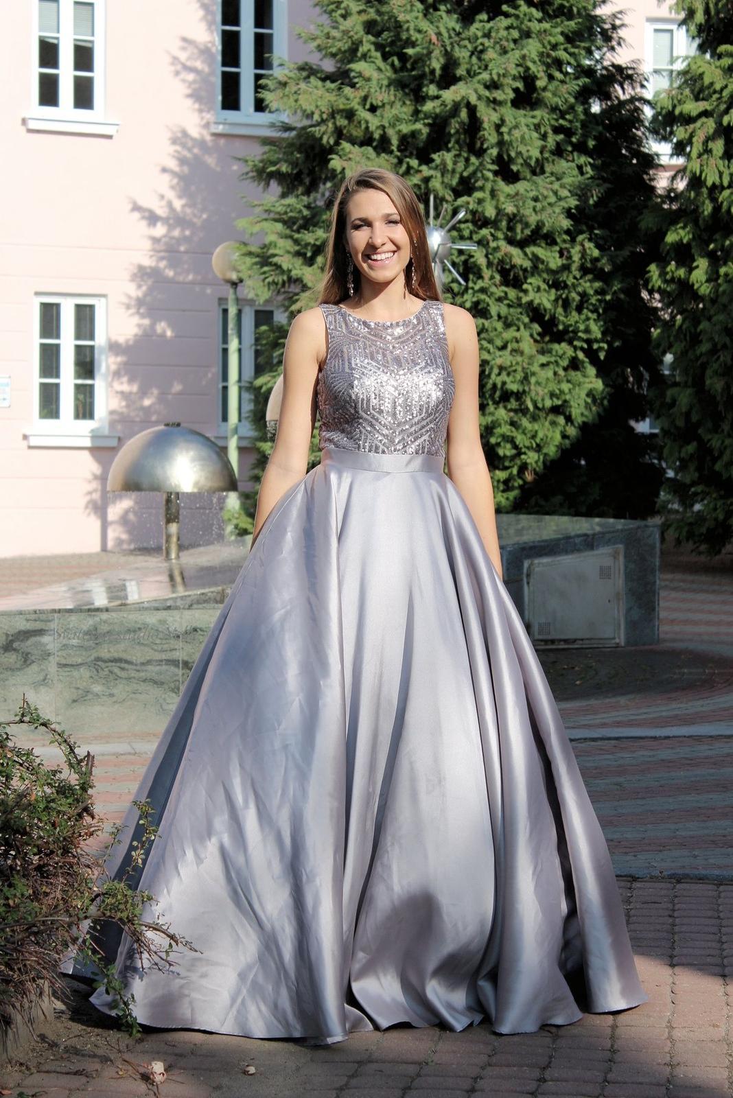 Plesové šaty šedé - velikost 38 - Obrázek č. 1