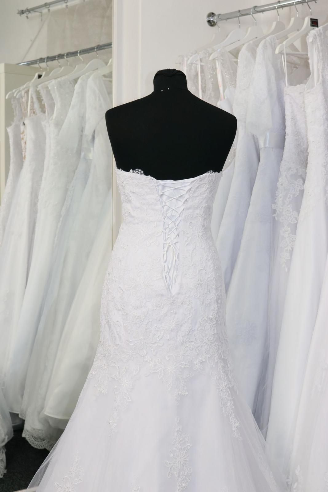 Svatební šaty s krajkou vel.34 XS - Obrázek č. 4