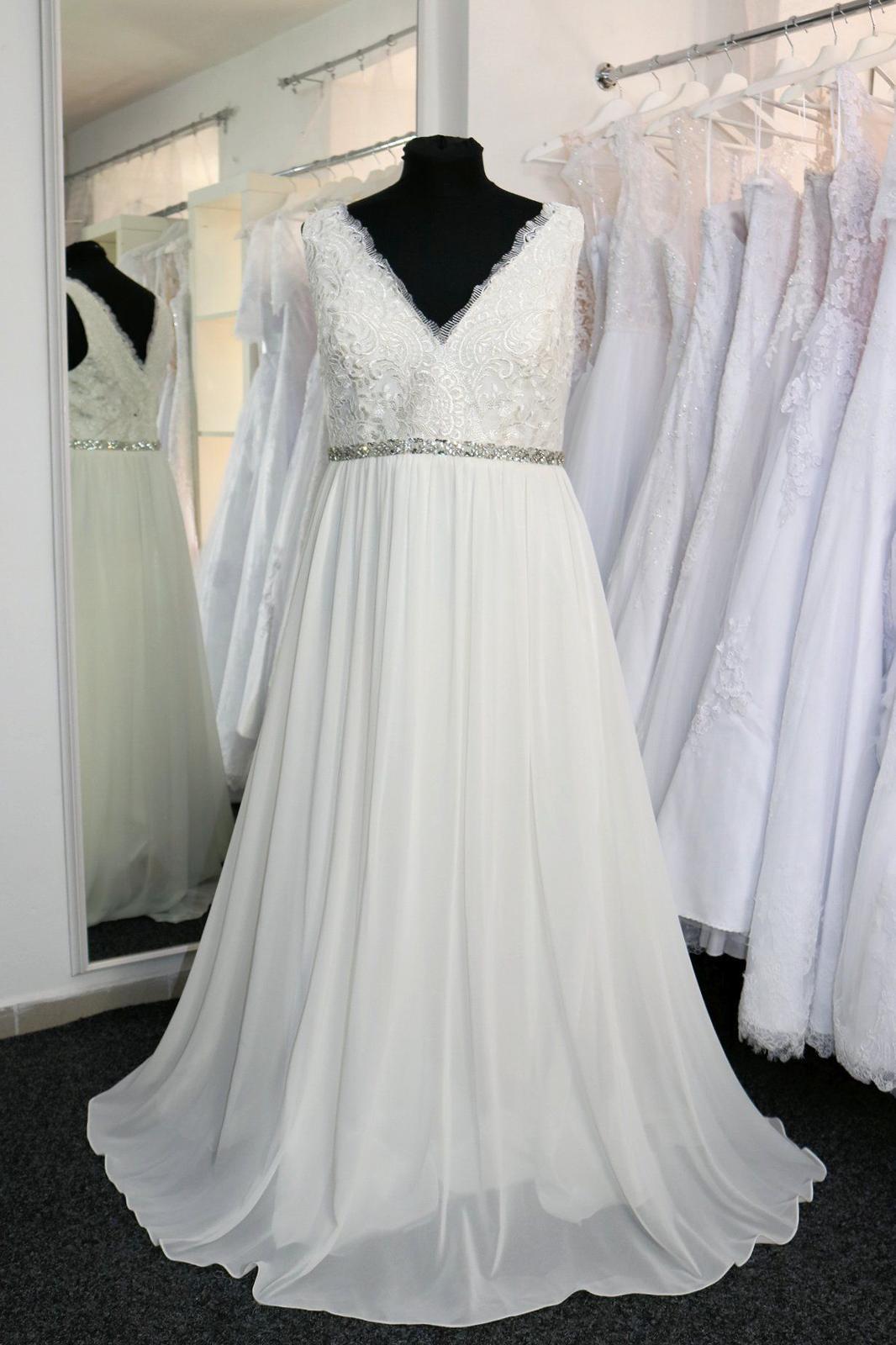 Nové svatební šaty boho vel. 48 - Obrázek č. 1