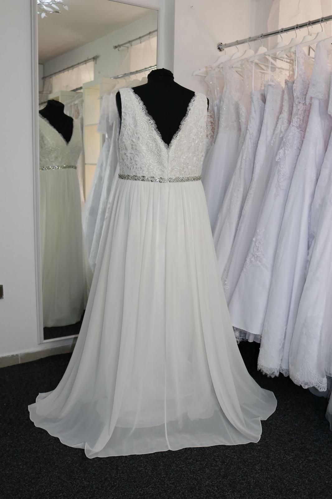 Nové svatební šaty boho vel. 48 - Obrázek č. 3