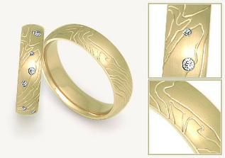 v bílém zlatě by byly moc krásné....