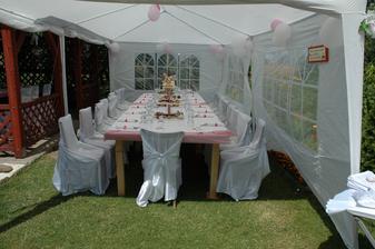Naše růžová svatba.