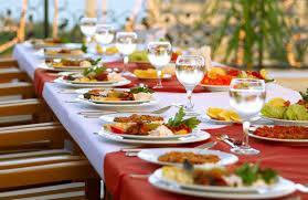 O jedlo sa postará catering s Babína-pani Kubasova