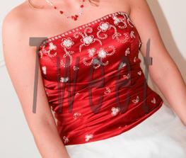 trošku jiné svatební šaty jsou na prodej