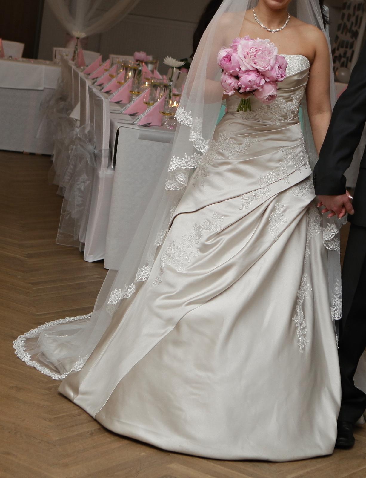 Svatební šaty Pronovias Nicole, vel. 36-38 - Obrázek č. 1