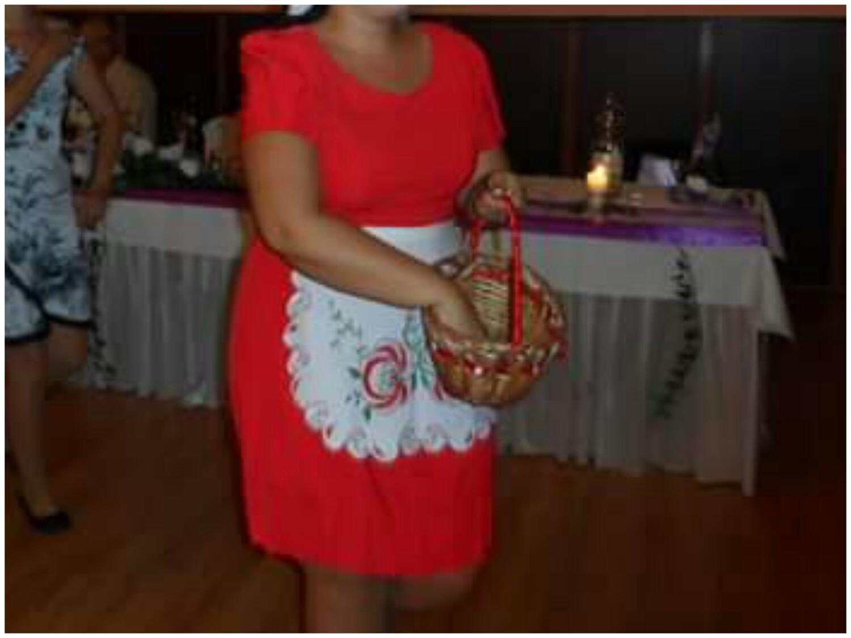 Šaty červenej farby vhodné aj na redoví tanec - Obrázok č. 4