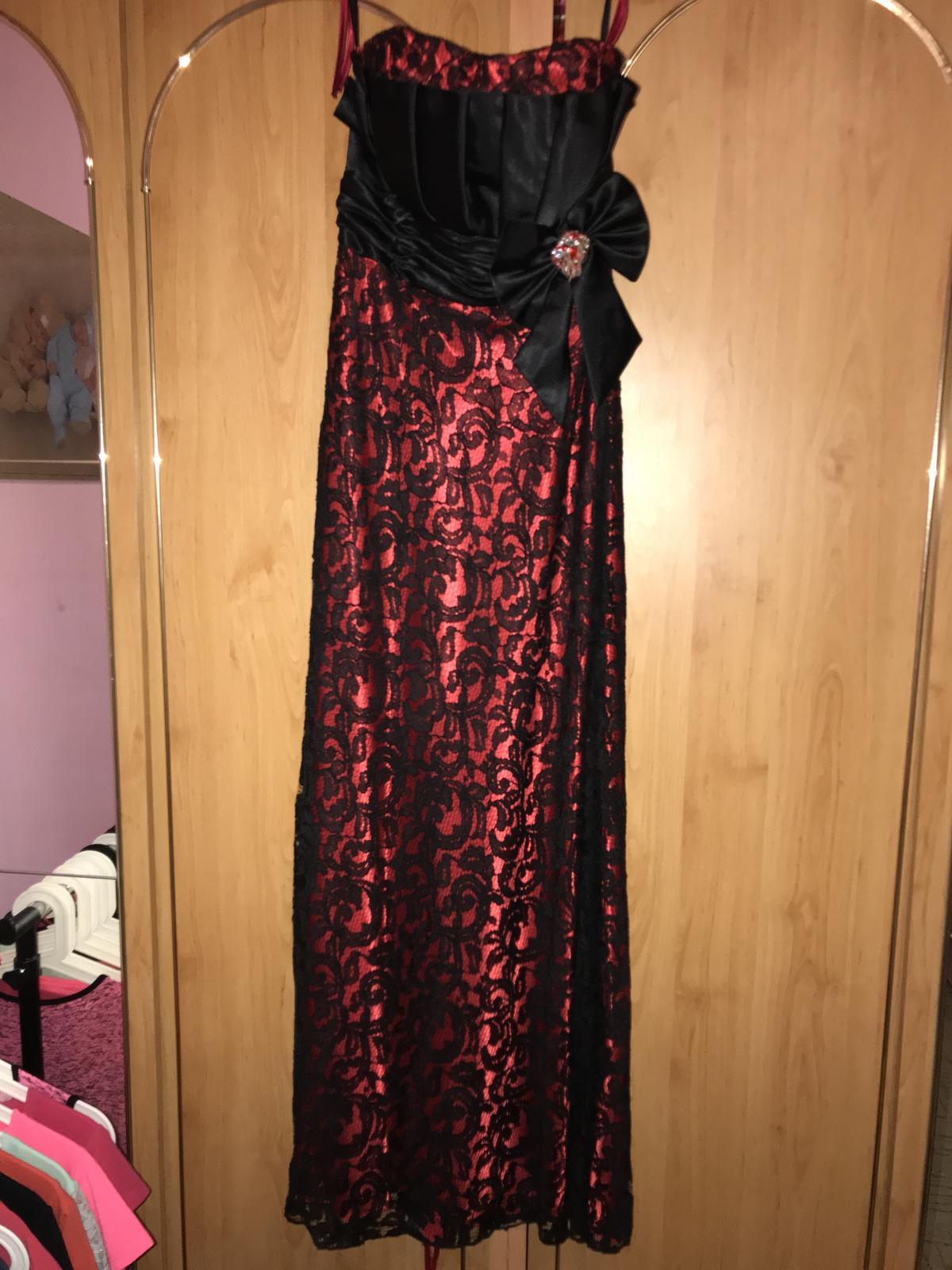 Dlhé saty s cipkou červení čierne satenove  - Obrázok č. 1